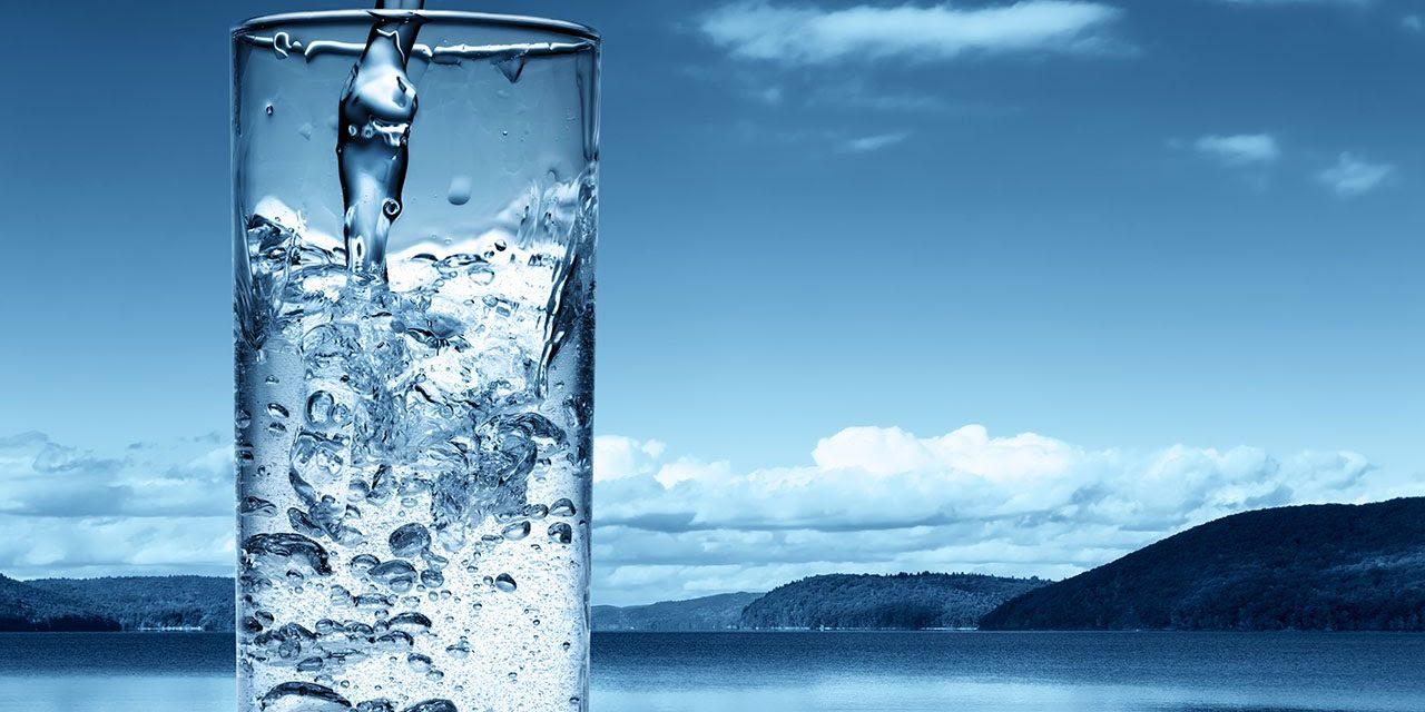 Los tipos de agua, diferentes opciones en tu restaurante
