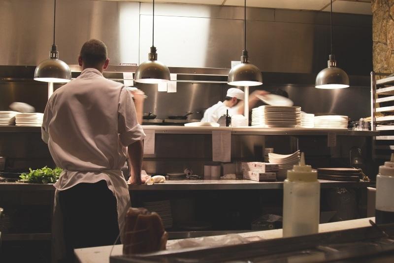 Los primeros pasos en el proyecto de cocina de restaurante